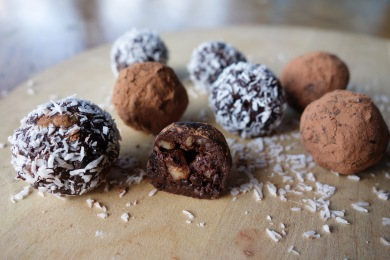 Moisty raw chocolate truffles